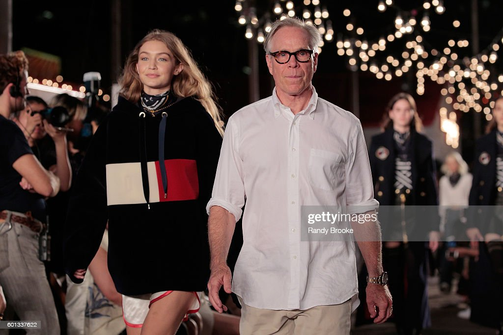 #TOMMYNOW Women's Runway Show Fall 2016 - Runway : News Photo