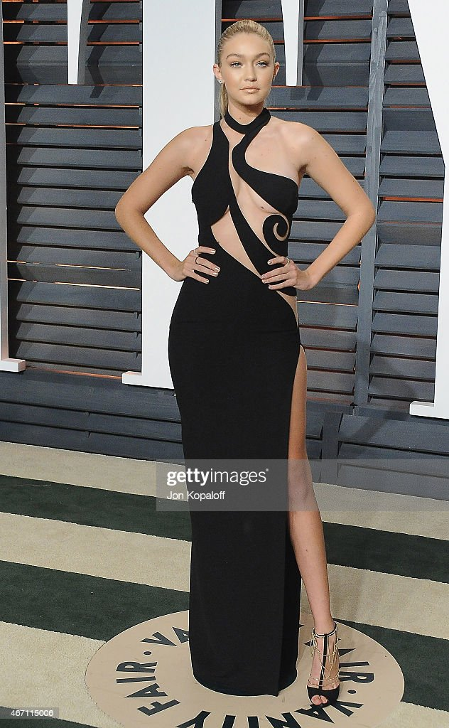 2015 Vanity Fair Oscar Party Hosted By Graydon Carter - Arrivals : News Photo