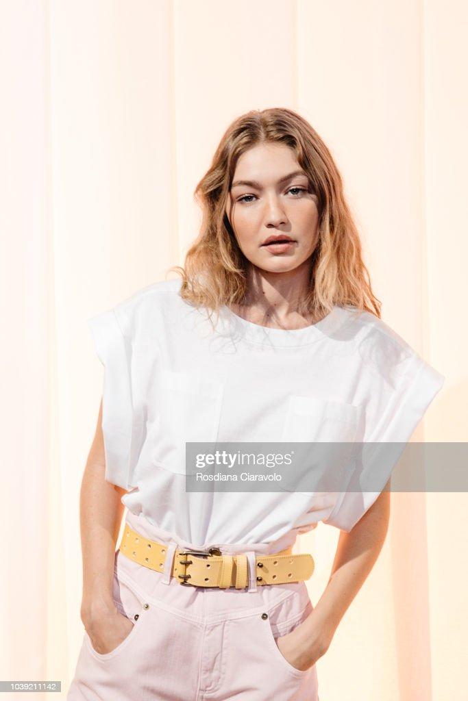Alberta Ferretti - Backstage - Milan Fashion Week Spring/Summer 2019 : News Photo