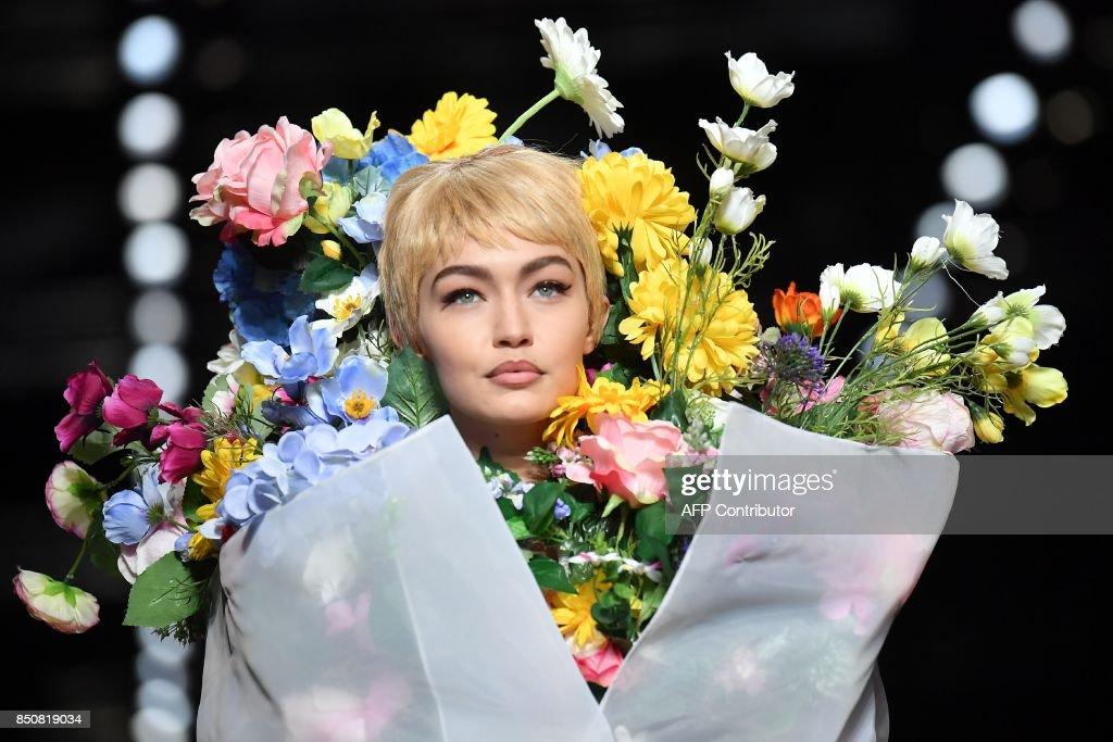 FASHION-ITALY-WOMEN-MOSCHINO : News Photo