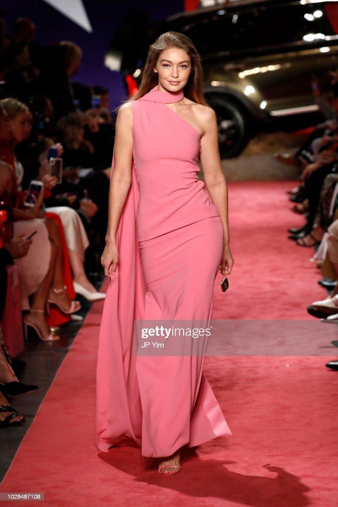 Brandon Maxwell - Runway - September 2018 - New York Fashion Week : News Photo