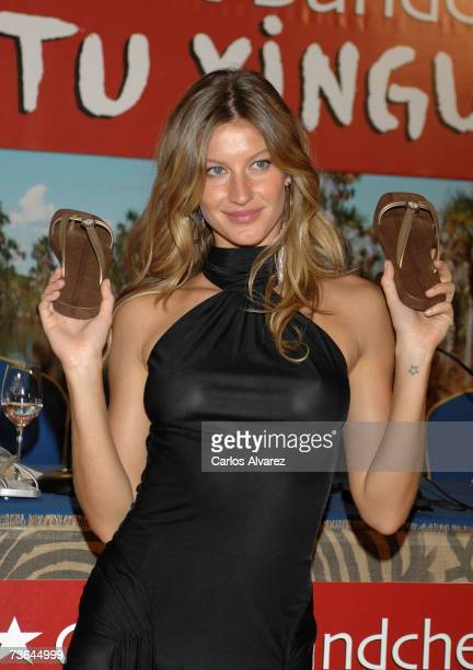 Model Gisele Bundchen attends a photocall to launches 'Ipanema Giselle Bundchen Yikatu Xingu' on March 20 2007 at Hotel Ritz in Madrid