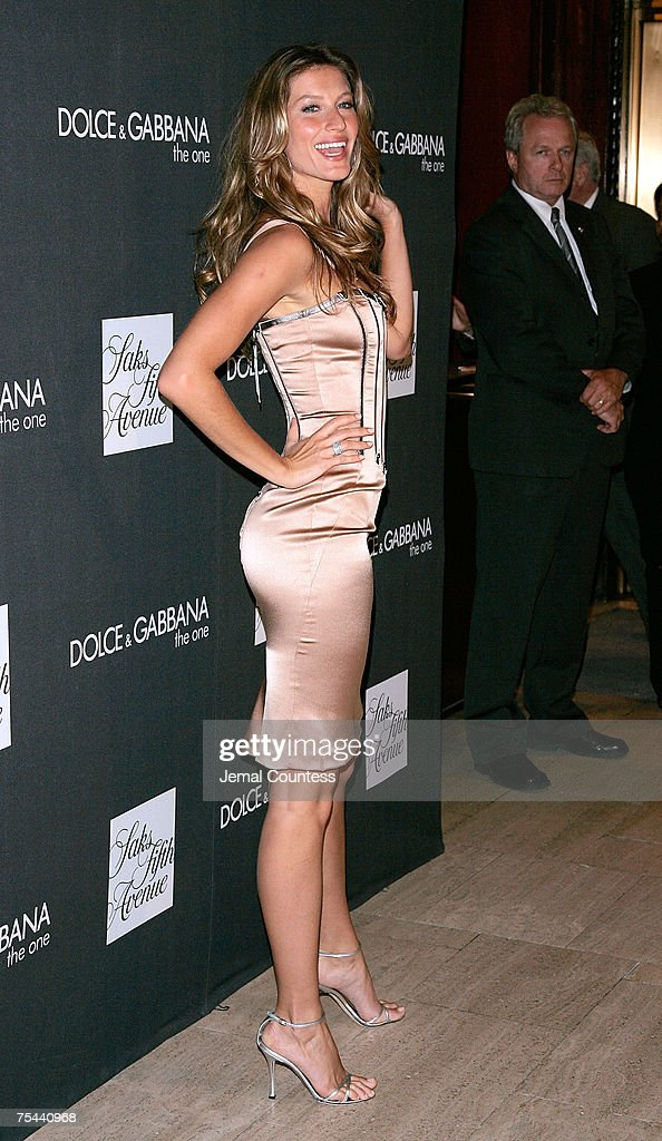 """Dolce & Gabbana Launches """"The One"""" Fragrance at SAKS Fifth Avenue - July 16, 2007 : News Photo"""