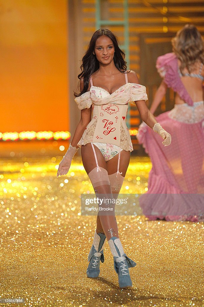 d911089cbba Model Gracie Carvalho walks the runway during the 2010 Victoria s ...