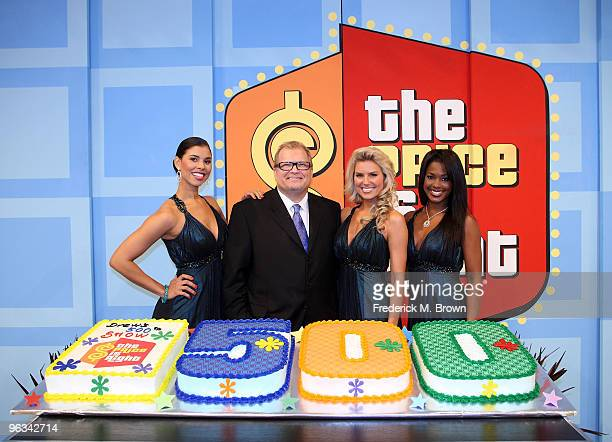 Model Gwendolyn Osborne host Drew Carey models Rachel Reynolds and Lanisha Cole celebrate the 500th 'The Price Is Right' television show at CBS...
