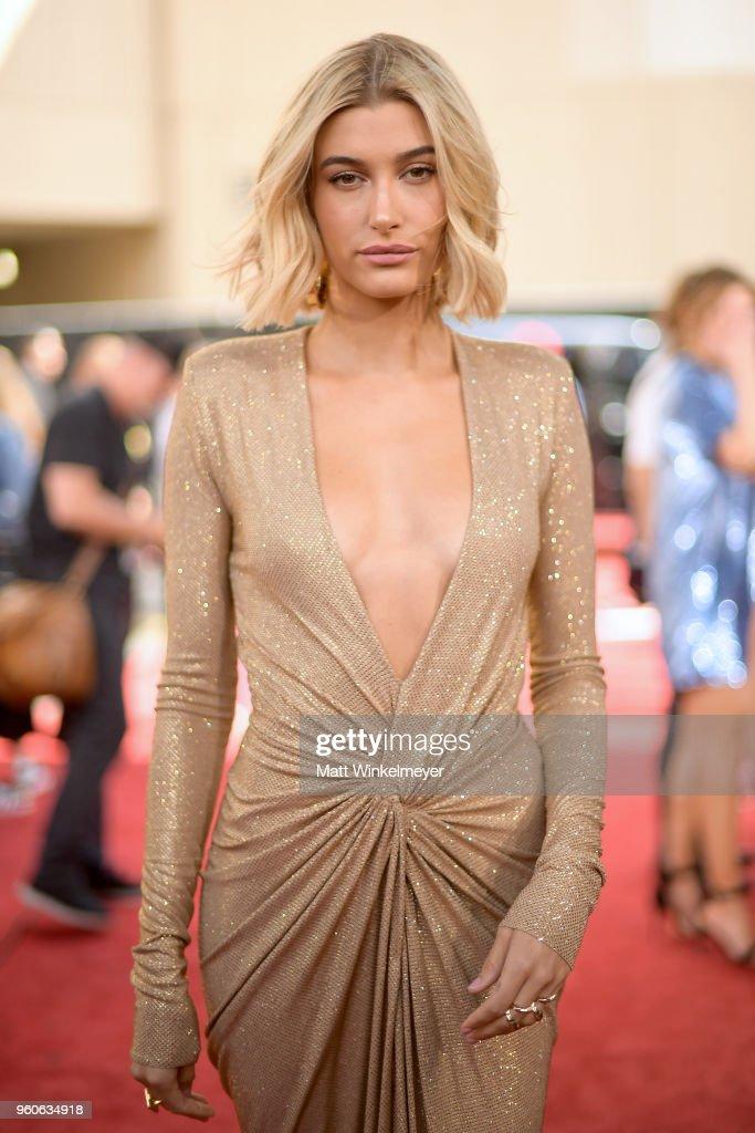 2018 Billboard Music Awards - Red Carpet : News Photo