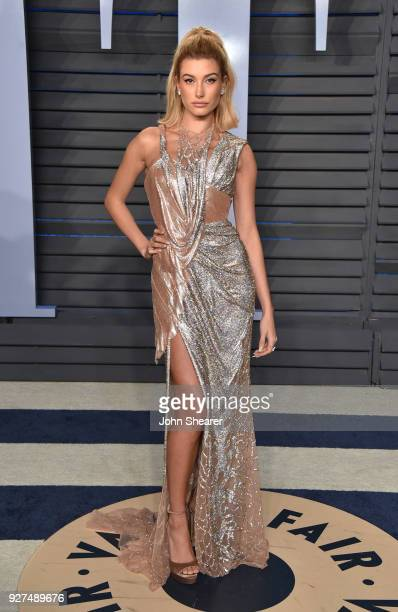 Model Hailey Baldwin attends the 2018 Vanity Fair Oscar Party hosted by Radhika Jones at Wallis Annenberg Center for the Performing Arts on March 4...