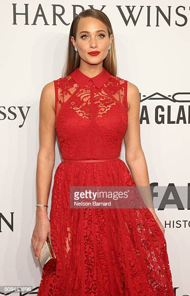 Model Hannah Davis attends the 2016 amfAR New York Gala at Cipriani Wall Street on February 10, 2016 in New York City.