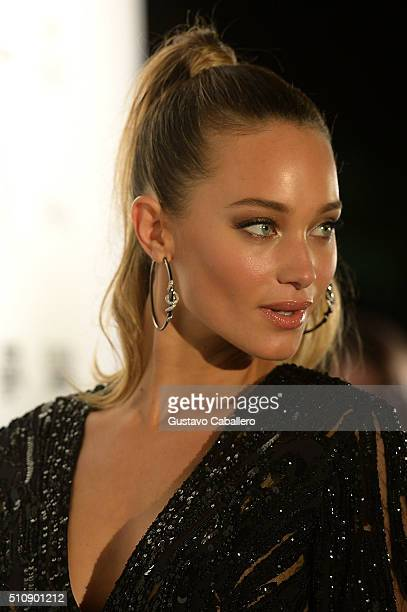 Model Hannah Davis attends the Sports Illustrated Swimsuit 2016 Swim BBQ VIP at 1 Hotel Homes South Beach on February 17 2016 in Miami Beach Florida
