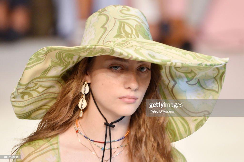 Etro - Runway - Milan Fashion Week Spring/Summer 2019 : ニュース写真