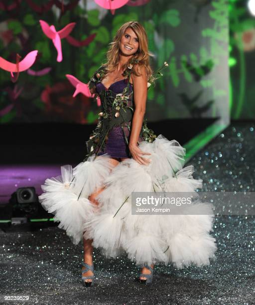 Model Heidi Klum attends the Victoria's Secret fashion show at The Armory on November 19 2009 in New York City