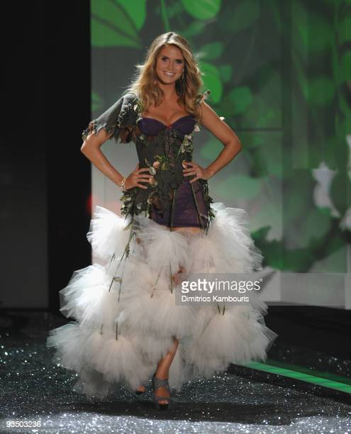 Model Heidi Klum walks the runway during the 2009 Victoria's Secret fashion show at The Armory on November 19 2009 in New York City