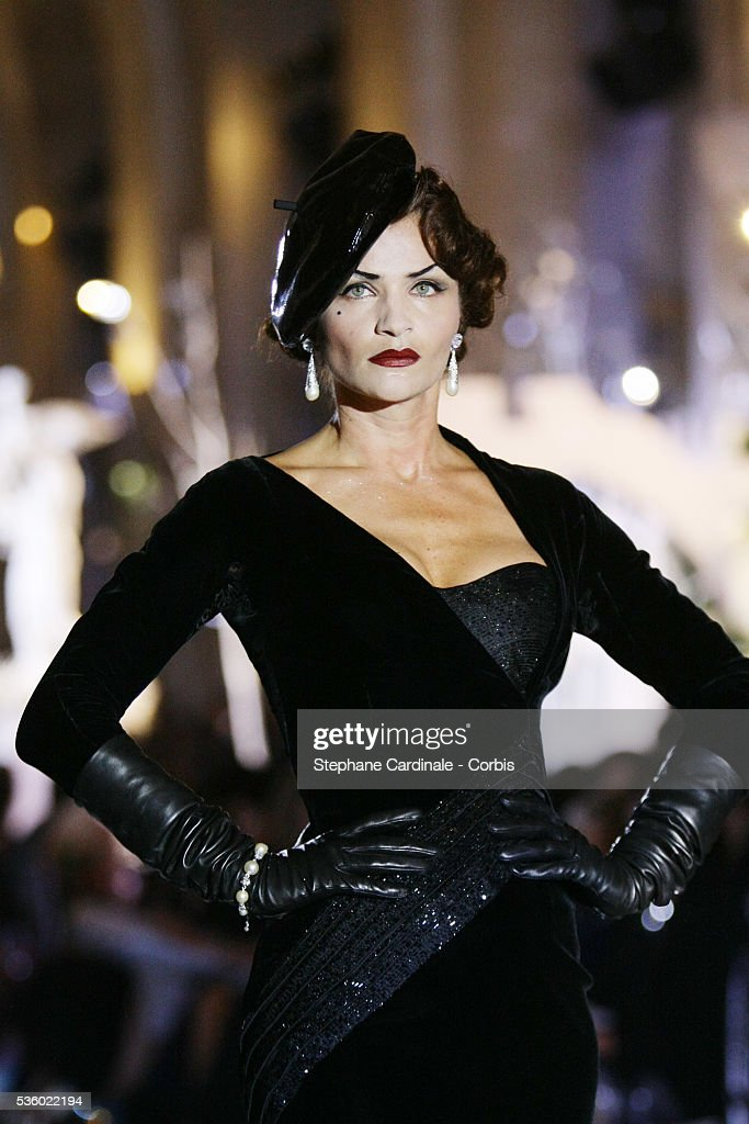 """France - Christian Dior """"Haute Couture"""" Fall-Winter 2007/2008 Collection - Dior 60th Anniversary : News Photo"""