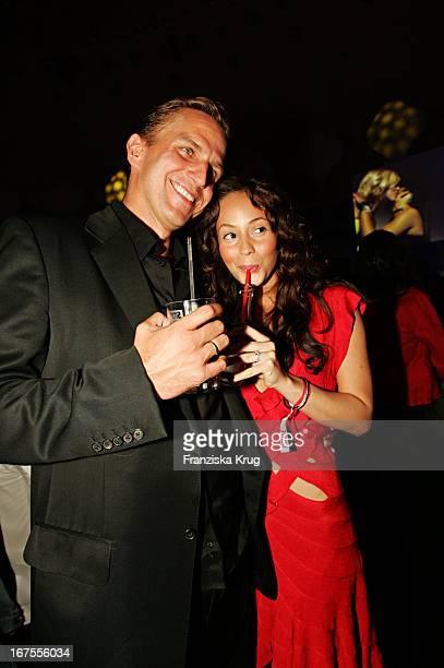 Model Heydi Nunez Gomez Mit Freund Patrick Martin Bei Der Verleihung Des New Faces Award Im Bcc In Berlin Am 170604