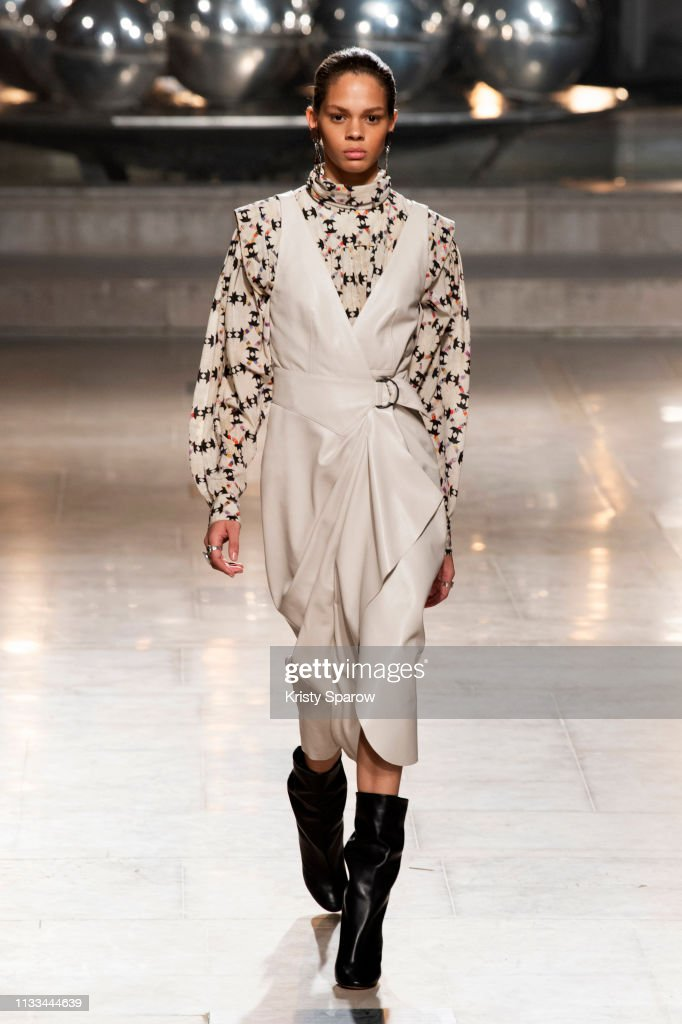 Isabel Marant : Runway - Paris Fashion Week Womenswear Fall/Winter 2019/2020 : News Photo