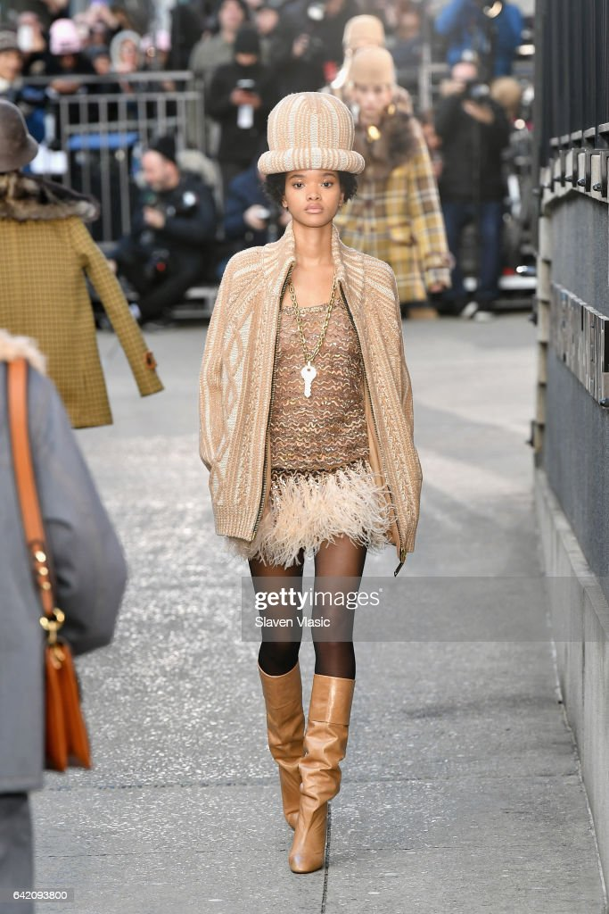 Model Iesha Hodges walks the runway for the Marc Jacobs Fall 2017 Show at Park Avenue Armory on February 16, 2017 in New York City.
