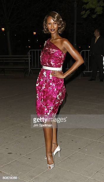 Model Iman arrives at the 7th Annual Tribeca Film Festival Vanity Fair Party at the State Supreme Courthouse on April 22 2008 in New York City New...