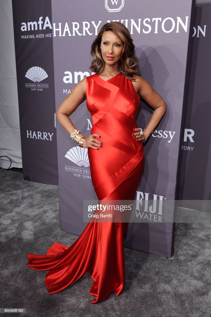 Model Iman attends the amfAR New York Gala 2017 sponsored by FIJI Water at Cipriani Wall Street on February 8, 2017 in New York City.