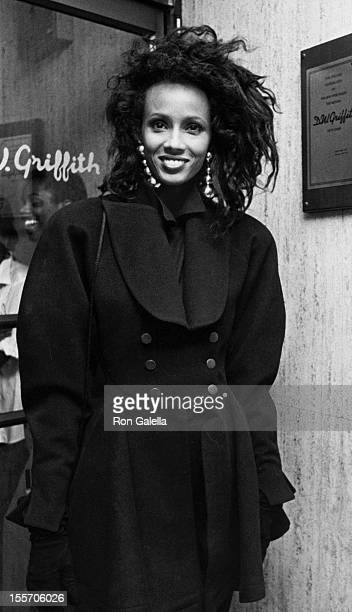Model Iman attends the premiere of Subway on November 1 1985 at the DW Griffith Theater in New York City