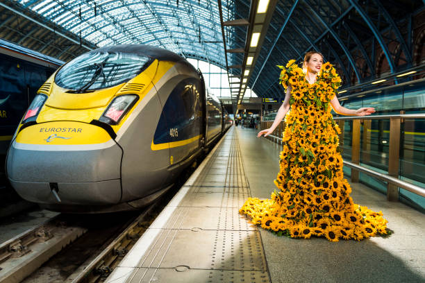 GBR: Eurostar Launches Third Service to Amsterdam With Sunflower Gown