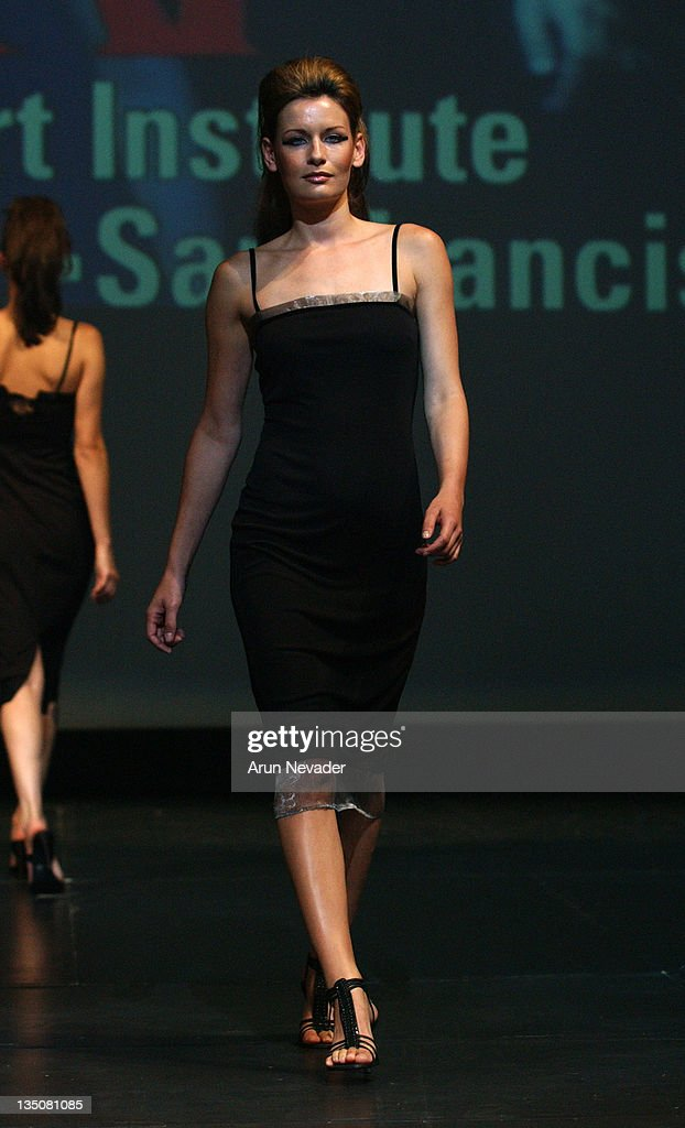 Model In A Hemdah Brown Design During San Francisco Fashion Week 2004 News Photo Getty Images