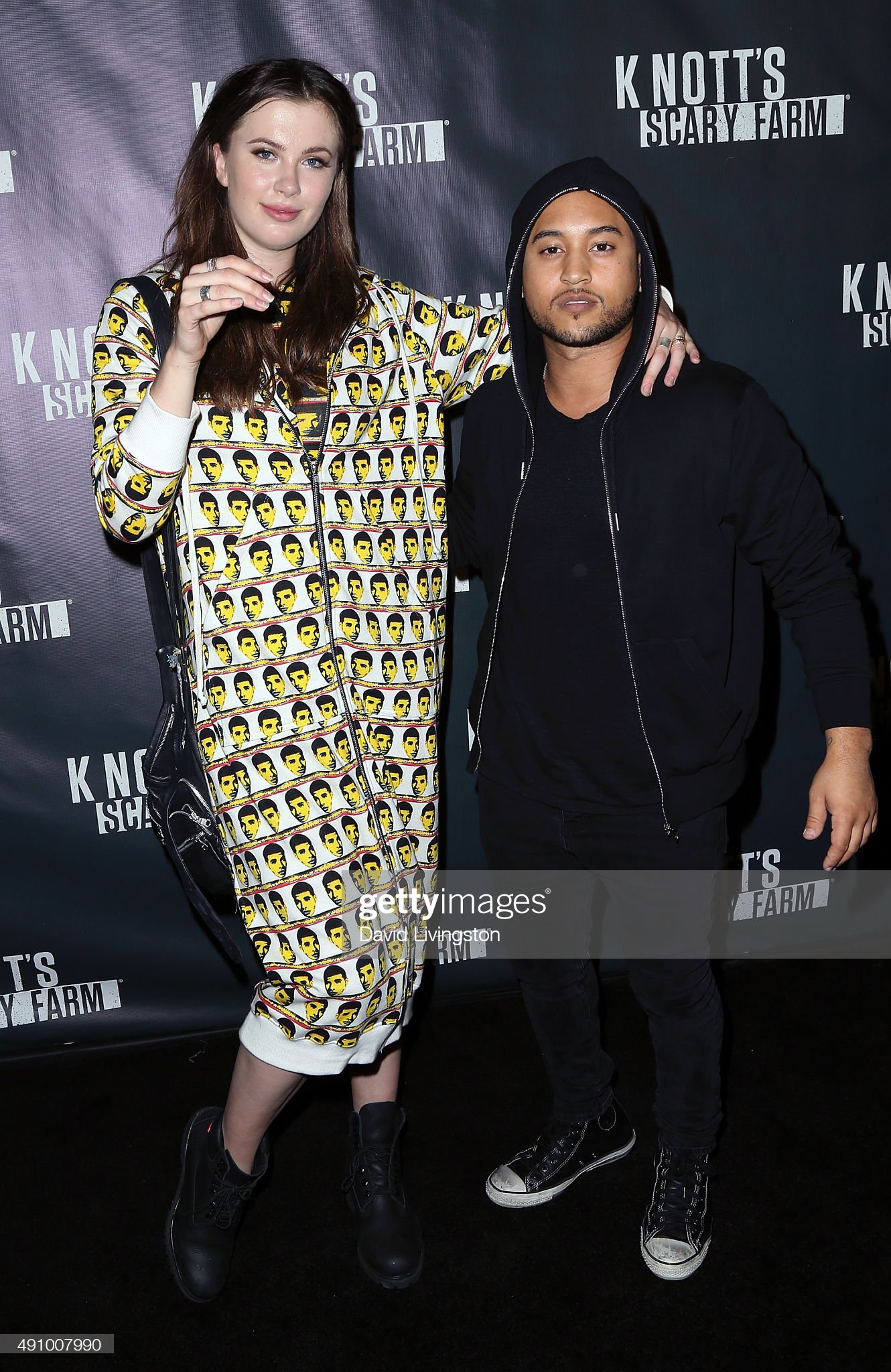 ¿Cuánto mide Tahj Mowry? - Altura - Real height Model-ireland-baldwin-and-actor-tahj-mowry-attend-the-knotts-scary-picture-id491007990?s=2048x2048