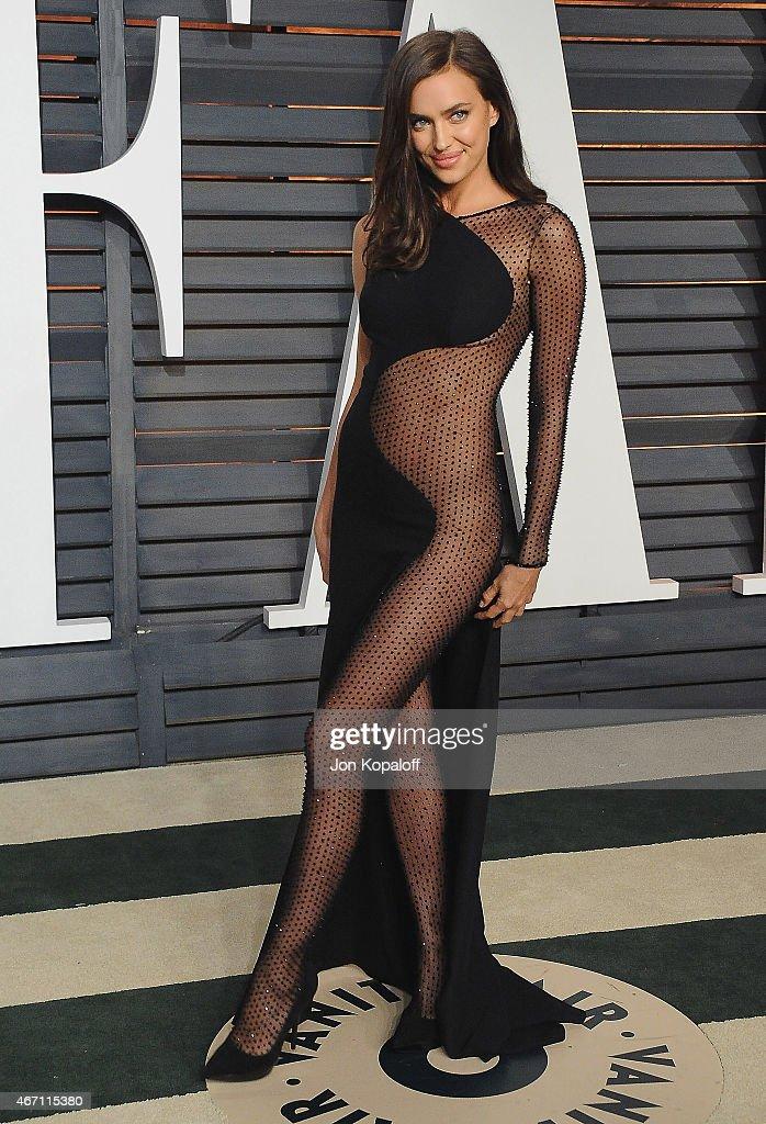 2015 Vanity Fair Oscar Party Hosted By Graydon Carter - Arrivals : News Photo