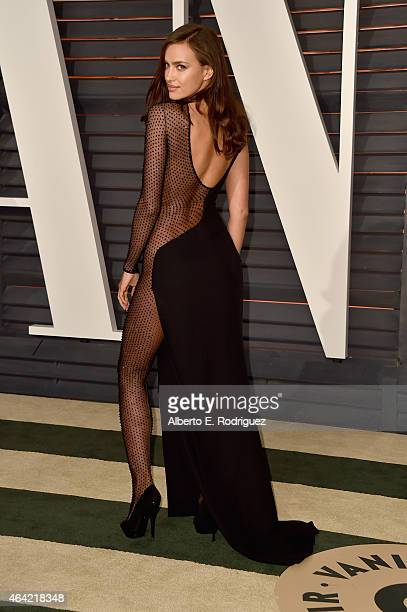 Model Irina Shayk attends the 2015 Vanity Fair Oscar Party hosted by Graydon Carter at Wallis Annenberg Center for the Performing Arts on February 22...