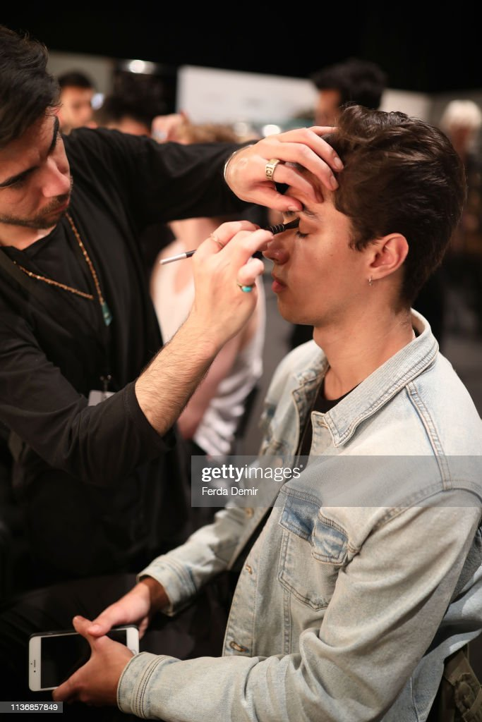 Damat - Backstage - Mercedes-Benz Fashion Week Istanbul - March 2019 : News Photo