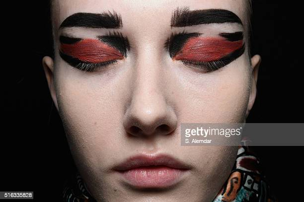 A model is seen backstage ahead of the Bashaques' show during the MercedesBenz Fashion Week Istanbul Autumn/Winter 2016 at Zorlu Center on March 18...