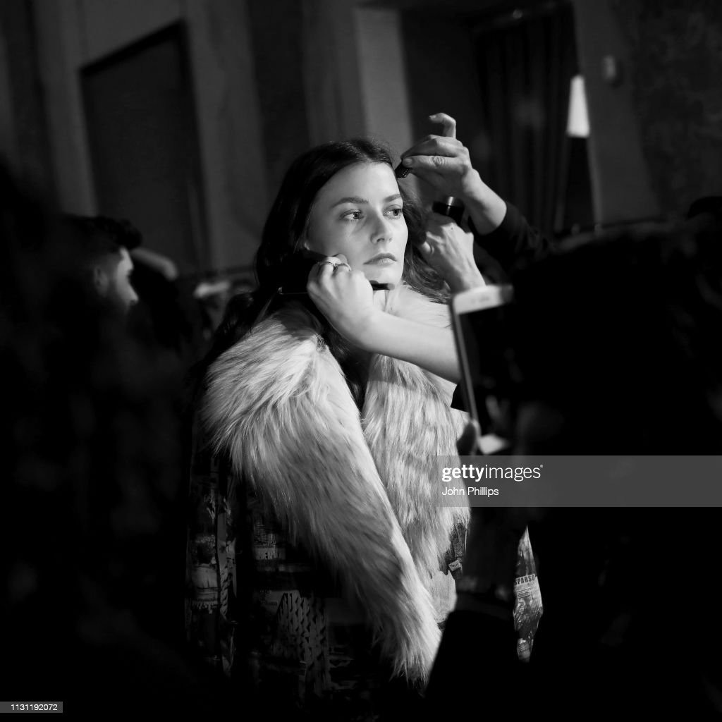 Marco Rambaldi Supported By CNMI e CNMI Fashion Trust - Backstage: Milan Fashion Week Autumn/Winter 2019/20 : Foto jornalística