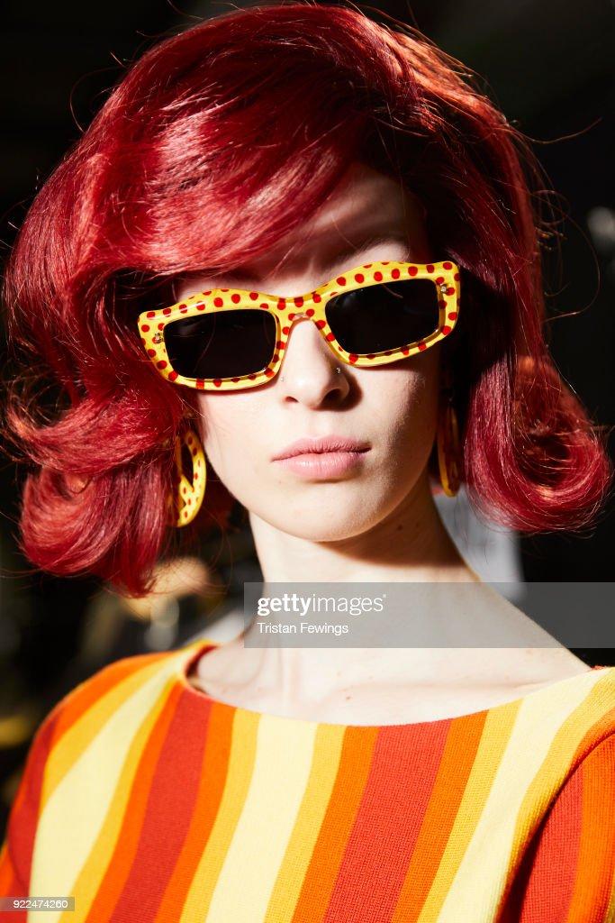 Moschino - Backstage -  Milan Fashion Week Fall/Winter 2018/19 : Nachrichtenfoto