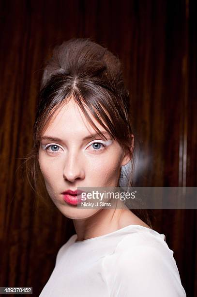 A model is seen backstage prior to the Mimpikita show during London Fashion Week Spring/Summer 2016 at Fashion Scout Venue on September 20 2015 in...