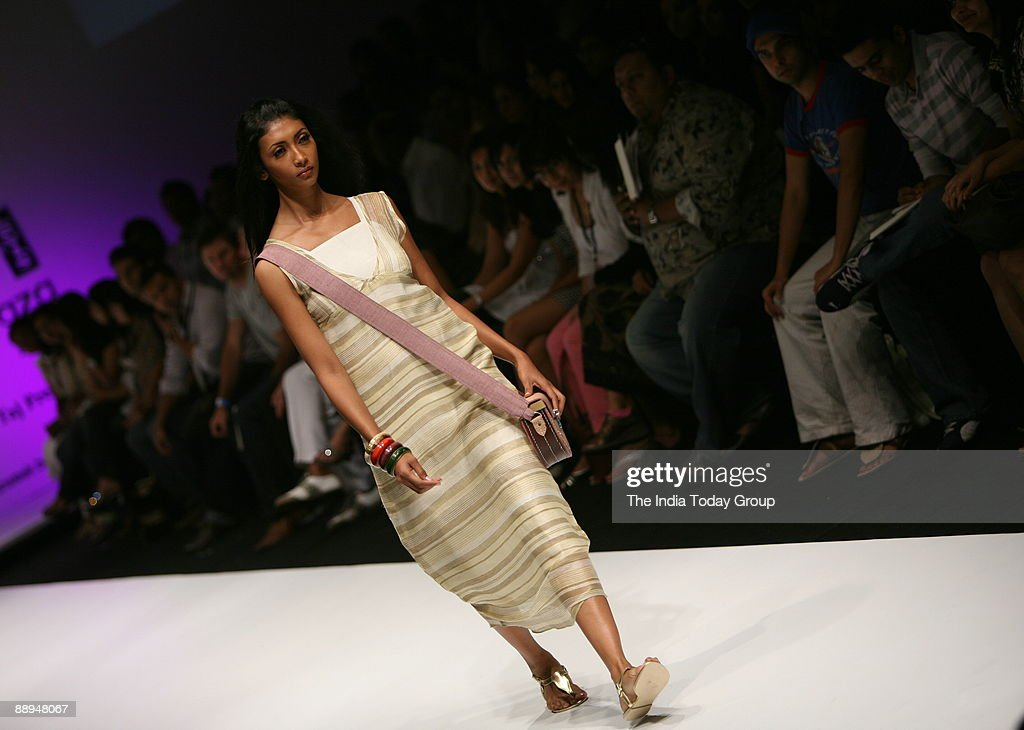 Model Is Walking On The Ramp With Fashion Designer Soumitra Mondal News Photo Getty Images