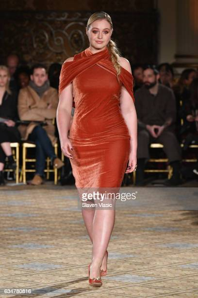 Model Iskra Lawrence walks the runway for the Christian Siriano collection during New York Fashion Week The Shows at The Plaza Hotel on February 11...