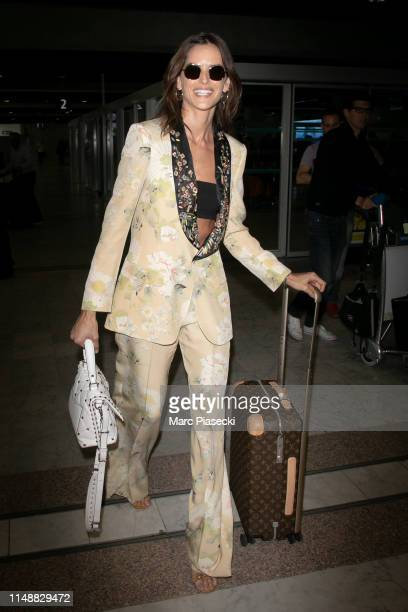 Model Izabel Goulart arrives ahead the 72nd annual Cannes Film Festival at Nice Airport on May 13, 2019 in Nice, France.