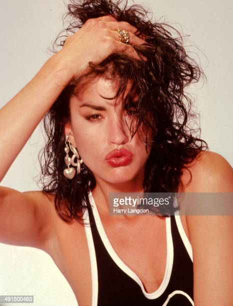 Model Janice Dickinson poses for a portrait session in 1986 in Los Angeles California