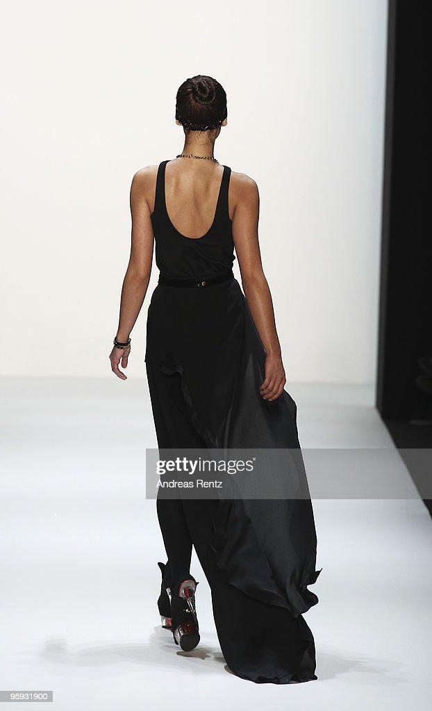 MBFW A/W 2010: Arrondissement Aq1 Fashion Show : News Photo