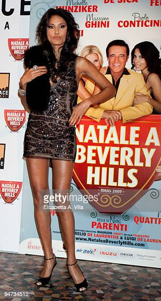 Model Jeanene Fox attends the premiere of ''Natale A Beverly Hills'' at the Warner Moderno Cinema on December 17 2009 in Rome Italy