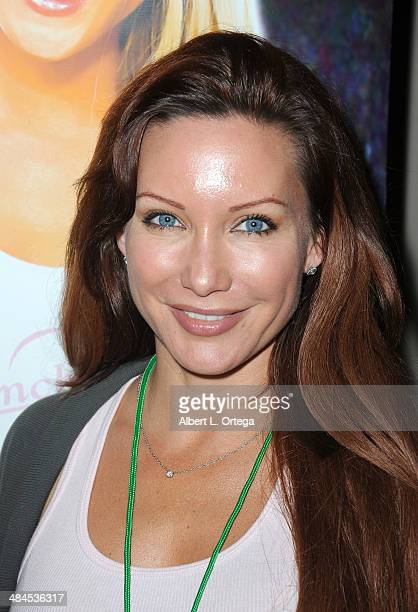 Model Jennifer Korbin Attends The Hollywood Show  Held At Westin Lax Hotel On April