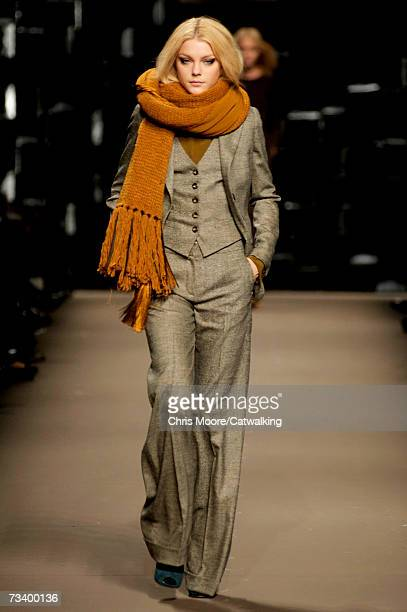 Model Jessica Stam walks the catwalk during the Sportmax fashion show as part of Milan Fashion Week Autumn/Winter 2007 on February 23, 2007 in Milan,...