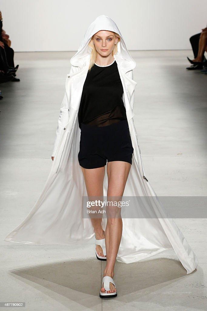 Karigam - Runway - Spring 2016 New York Fashion Week: The Shows