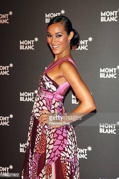 """Model Jo Ann Strauss Bei Der Montblanc Gala Zur """"Writing Time"""" Weltpremiere Von Montblanc Star Nicolas Rieussec Monopusher Chronograph In Der Palexpo..."""
