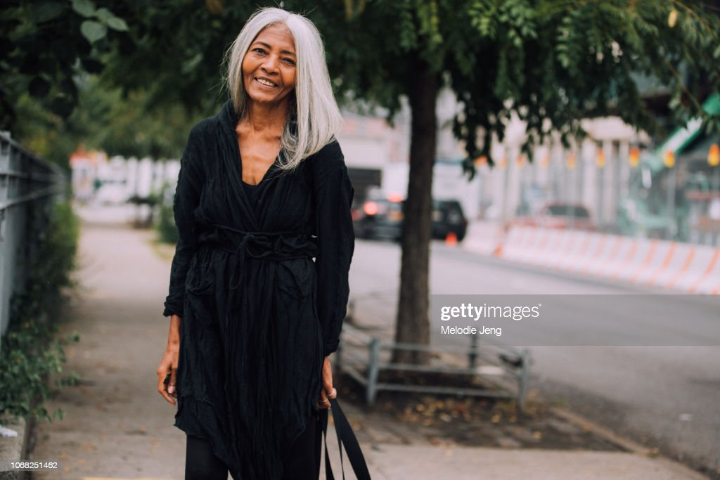Street Style - New York Fashion Week September 2018 - Day 7 : News Photo
