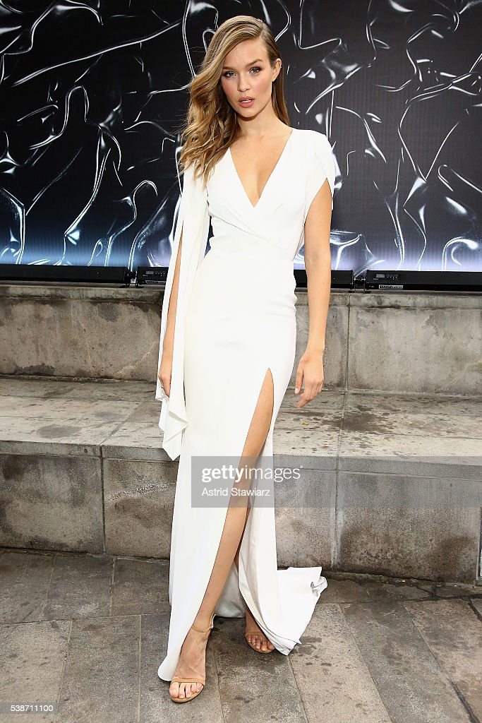 Model Josephine Skriver attends the 2016 Fragrance Foundation Awards presented by Hearst Magazines on June 7, 2016 in New York City.