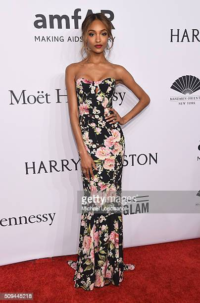 Model Jourdan Dunn attends 2016 amfAR New York Gala at Cipriani Wall Street on February 10 2016 in New York City