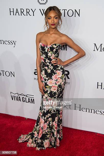 Model Jourdan Dunn attends the 2016 amfAR New York Gala at Cipriani Wall Street on February 10 2016 in New York City