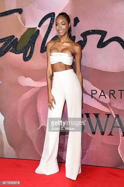 Model Jourdan Dunn attends The Fashion Awards 2016 on December 5 2016 in London United Kingdom