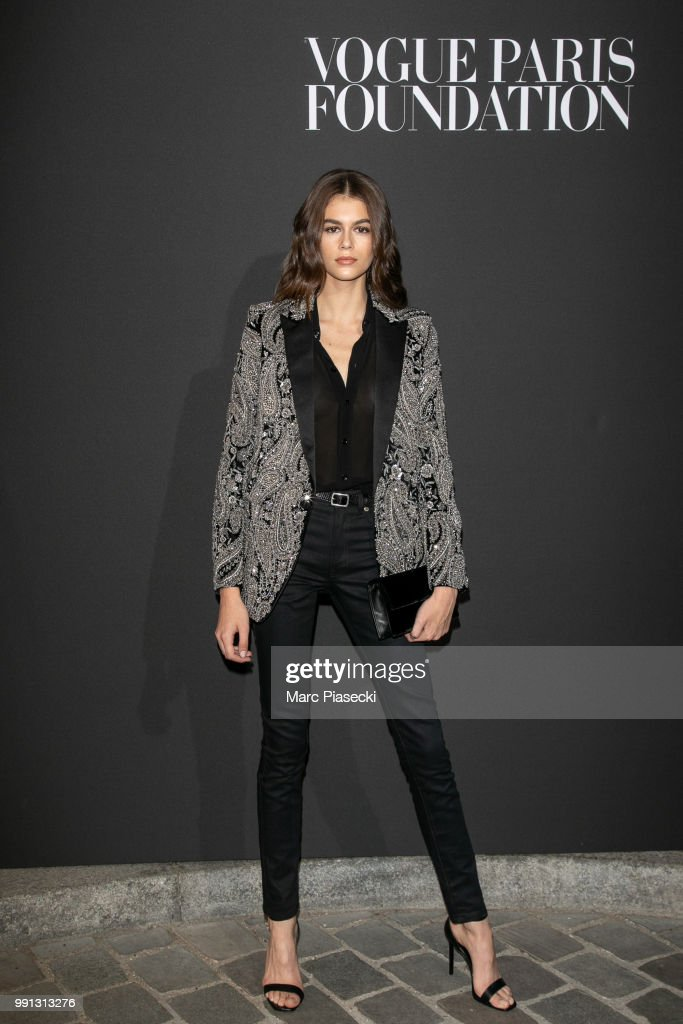 model-kaia-gerber-attends-the-vogue-foundation-dinner-photocall-as-picture-id991313276