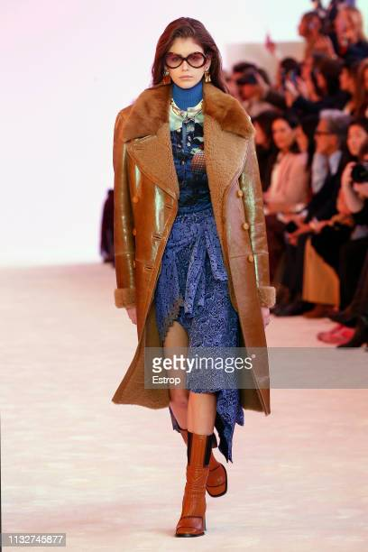 Model Kaia Gerber walks the runway at the Chloe show at Paris Fashion Week Autumn/Winter 2019/20 on February 28, 2019 in Paris, France.